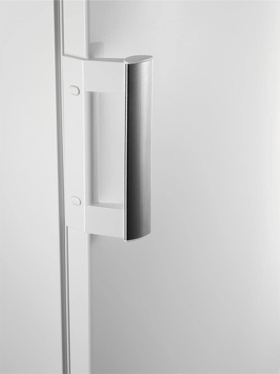 aeg rtb91531aw a tischk hlschrank wei von aeg. Black Bedroom Furniture Sets. Home Design Ideas